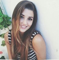 Image about girl in hande erçel 🌸💕 by ale on We Heart It Beautiful Celebrities, Beautiful Actresses, Most Handsome Actors, Stylish Girls Photos, Hande Ercel, Turkish Beauty, Beautiful Girl Image, Beautiful Eyes, Inspirational Celebrities