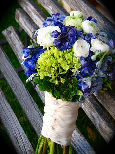 blue and white bouquets, blue white and green bouquets