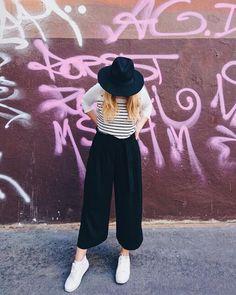 RAPHAELA (@curlyblondeela) • Instagram-Fotos und -Videos My Style, Videos, Pants, Instagram, Fashion, Pictures, Trouser Pants, Moda, Fashion Styles
