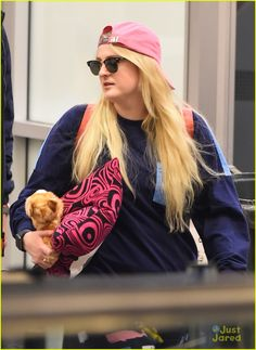 meghan trainor whale pants gonna lose you video 09 All About That Bass, Meghan Trainor, Dear Future Husband, She Song, You Videos, Losing You, Whale, Female Singers, Celebrities