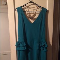 nwt Forever 21 Jade dress size 2X Beautiful dress to go out to dinner in.. Size 2X Forever 21 Dresses