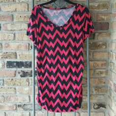 CLEARANCE Cato chevron tunic Pink and black chevron design with jagged edges. Rouched sides. Thin soft material. Soft V neck. Gently used. Cato Tops Tunics