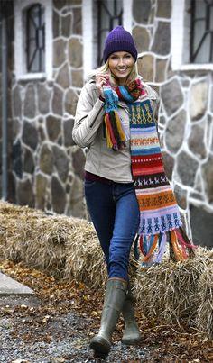 Great for left-overs! Fair Isle Knitting, Knitting Yarn, Hand Knitting, Winter Wear, Autumn Winter Fashion, Knitted Shawls, Knit Scarves, Scarfs, Fair Isles