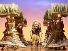 The Lion King, el musical, puesta en escena, Broadway, New York. #ElReyLeón #Musical #Broadway #Entradas Reserva tu entrada: http://www.weplann.com/nueva-york/entradas-el-rey-leon-musical-broadway