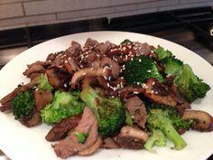 Phase 1 RCD: DINNER. broccoli, beef, mushroom & garlic. Sprinkled with sesame seeds.