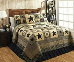 The Colonial Star Black and Tan King Luxury Quilt Set, by Olivia's Heartland, features black and tan in plaids and appliqued stars. Perfect for your country primitive home or cabin decor, the stars al Tan Bedding, Black Bedding, Quilt Bedding, Luxury Bedding, Bedding Sets, Modern Bedding, Unique Bedding, Rag Quilt, King Comforter