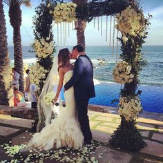 Breathtaking moment and stunning dress