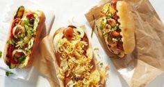 O cachorro quente é uma tradicional comida de rua, que possui várias receitas e modos de fazer. Essa é a minha!