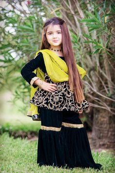 New Pictures of Cutest and Youngest Pakistani/American 4 years Old Model Miah Dhanani | Pakistani Drama Celebrities