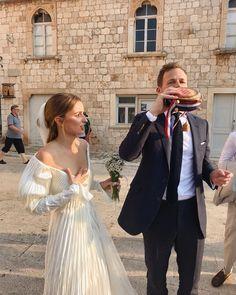 Wedding Goals, Wedding Pics, Wedding Photography Inspiration, Wedding Inspiration, Vogue Bride, Perfect Wedding, Dream Wedding, Boho Wedding Dress, Wedding Dresses