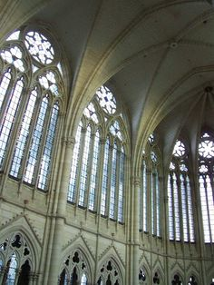 Soaring arches and vaulted ceilings of #Gothic #Architecture in #France.