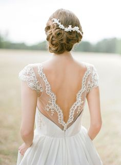 I'm absolutely in love with the low back wedding gown trend. From romantic drapes to lace trims and barely Art Deco inspired charmeuse, here are a ten beautiful backless wedding gowns to kick off your Monday! Sally Eagle gown via Magnolia Rouge Sarah Low Back Wedding Gowns, Backless Wedding, Wedding Dresses, Bridal Hair, Bridal Gowns, Perfect Wedding, Dream Wedding, Gold Wedding, Elegant Wedding