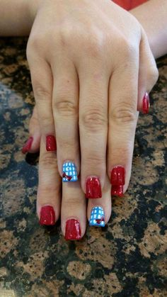 Wizard of oz nails :: nail art Halloween Nail Designs, Halloween Nail Art, Cute Nail Designs, Halloween Costumes, Cute Nails, Pretty Nails, Chalkboard Nails, Dark Nail Polish, Disney Nails