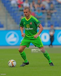 Lee Cattermole of Sunderland during a Pre-Season friendly match between Hannover 96 and Sunderland AFC at the HDI Arena on August 01, 2015 in Hannover, Germany.