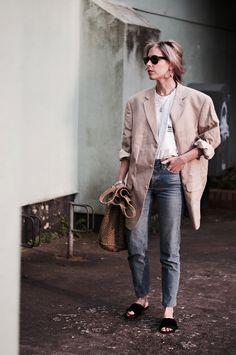 LELLAVICTORIA: #outfit #jeans #denim #blazer #oversized #streetstyle
