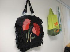 Laukku koristeen kukka