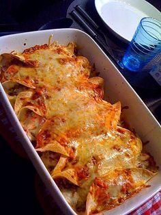 Suosikki: Enchilladat Food N, Food And Drink, Pork Recipes, Cooking Recipes, Recipies, Salty Foods, Food Tasting, Everyday Food, Food Hacks