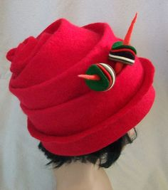 Simply Red Felt Hat   by Suzanne Higgs, feltmaker