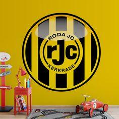 Fotobehang Roda JC | Maak het jezelf eenvoudig en bestel fotobehang voorzien van een lijmlaag bij YouPri om zo gemakkelijk jouw woonruimte een nieuwe stijl te geven. Voor het behangen heb je alleen water nodig! #behang #fotobehang #print #opdruk #afbeelding #diy #behangen #roda #voetbalclub #voetbal #sport #geel #embleem #logo #kerkrade #rjc
