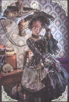 The Vampire Count's Dancing Party Lolita OP Dress, Bonnet and Choker Set
