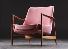 """Ib Kofod Larsen. Recliner in teak, variant and later production of """"Elisabeth chair"""" sign in 1956."""