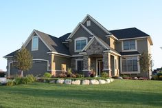 3 Beds, 2 Baths, 2 Stories, 3 Car Garage, 3015 Sq Ft, Luxury House Plan. Beautiful House Plans, Beautiful Homes, Home Interior, Interior And Exterior, Big Houses Exterior, Dream House Exterior, Exterior Paint, Design Case, House Goals