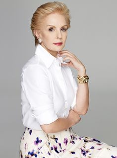 """Carolina Herrera (b. January is a Venezuelan-American fashion designer. Her signature """"white blouse and A-line skirt"""" defines CLASS & ELEGANCE like no others. She (and her style) is the embodiment of a LADY. Carolina Herrera, Best Fashion Designers, Advanced Style, White Shirts, Fashion Over 50, Old Women, Fashion Outfits, Fashion Trends, Look Fashion"""