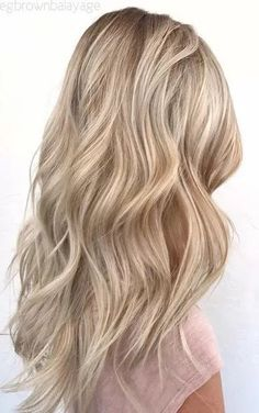 Golden Blonde Balayage for Straight Hair - Honey Blonde Hair Inspiration - The Trending Hairstyle Blonde Hair Looks, Cool Toned Blonde Hair, Neutral Blonde Hair, Beachy Blonde Hair, Darker Blonde, Beach Blonde, Balayage Hair, Haircolor, Gorgeous Hair