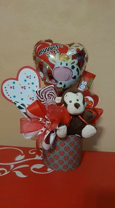 Valentines For Kids, Valentine Crafts, Valentine Day Gifts, Relationship Gifts, Chocolate Bouquet, Candy Bouquet, Mason Jar Crafts, Valentine Decorations, Homemade Gifts
