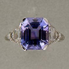 Tiffany & Co Art Deco Natural Sapphire Platinum Ring octagonal Asscher super rare one of a kind step cut natural medium violet blue to violet color change Sapphire. 2 emerald cut diamonds, E, VVS, each, approx. Color Change Sapphire, Purple Sapphire, Natural Sapphire, Sapphire Diamond, Uncut Diamond, Or Antique, Antique Jewelry, Vintage Jewelry, Antique Rings