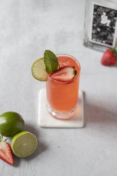 Strawberry Paloma (An Easy Tequila Cocktail) - Moody Mixologist Easy Fruity Cocktails, Easy To Make Cocktails, Yummy Drinks, Craft Cocktails, Strawberry Tequila, Strawberry Cocktails, Tequila Drinks, Tequila Shots, Paloma Recipe