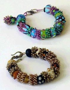 separadores de pulseras Make beaded spacers from seed beads.