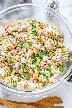 I love this creamy tuna pasta salad recipe! Whether taking it to a potluck or enjoying at a barbecue it's fresh and light flavors are always a hit. With pickles, cheese, pea and of course tuna & pasta, it's the best summer side dish I've made! Creamy Tuna Pasta, Pesto Pasta Salad, Greek Salad Pasta, Pasta Salad Italian, Tuna Recipes, Easy Pasta Recipes, Pasta Salad Recipes, Good Healthy Recipes, Healthy Cooking