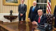 Donald Trump redecoró la Oficina Oval con cortinas doradas y un busto de Churchill