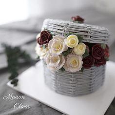 Buttercream flowercake 3rd. Advanced class  #플라워케이크  #플라워케익 #대구플라워케이크  #버터크림플라워케이크  #꽃 #꽃케이크 #꽃스타그램  #케이크  #메종올리비아  #베이킹 #베이킹그램  #flowercake  #flower  #buttercreamdecorating  #buttercreamflowercake #buttercream  #buttercreamcake #koreaflower #koreanflowercake #koreabuttercreamflower #koreabuttercreamcake #koreaflowercake  #bakingram #cake #maisonolivia