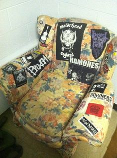 fuckerpunch:    you know someone's pretty punk when even their floral armchairs are punk
