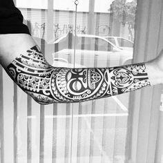 Finalizadooooo. #maoritattoo #maori #polynesian #tattoomaori #polynesiantattoos #polynesiantattoo #polynesia #tattoo #tatuagem #tattoos #blackart #blackwork #polynesiantattoos #marquesantattoo #tribal #guteixeiratattoo #goodlucktattoo #tribaltattooers #tattoo2me #inspirationtatto #tiki #tikitattoo #ohana #turtle #marquesantattoosleeve