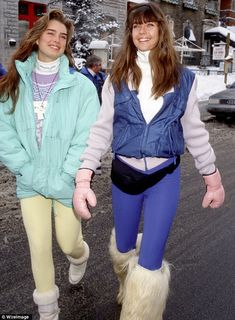 Brooke Shields, and Carol Alt, stunning and ageless at NYFW Apres Ski Outfits, Apres Ski Fashion, Carol Alt, Vintage Ski, Vintage Travel, Vintage Posters, 80s Outfit, Brooke Shields, Skiing