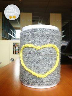 Cache mug en crochet et tricot