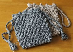 Knotted Drawstring Bag By Da's Crochet Connection - Free Crochet Pattern - (dascrochetconnection.blogspot)