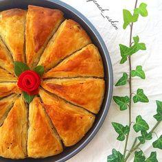 Yemek aşkım sayfasından kıymalı Arnavut böreği. Ellerine sağlık kardeşim.