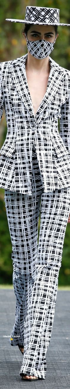 Christian Siriano Spring 2021 RTW #SparklyGold ❀ Bebe Rexha, Jeremy Scott, Christian Siriano, Polished Look, Couture, Facon, Carolina Herrera, Lanvin, Pretty Little