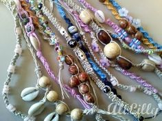 easy instruction to macrame.  cute bracelets and anklets.