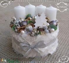 Havas fenyòk adventi box - by fabkata Christmas Advent Wreath, Gold Christmas, Holiday Wreaths, Winter Christmas, Christmas Lights, Christmas Time, Victorian Christmas Decorations, Xmas Decorations, Advent Candles