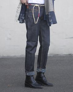 boyfriend fit jeans by kiriko.