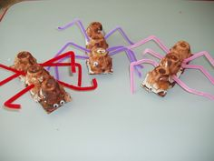 Ant activity ideas from The Activity Idea Place - preschool themes and lesson plans