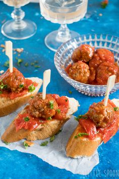 3 x Spanish pinchos for drinks - Little Spoon Bruschetta Recept, Appetizer Recipes, Appetizers, Good Food, Yummy Food, Small Meals, Savory Snacks, Party Snacks, Clean Eating Snacks