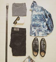 Wat I'm wearing today with my denim! #denim #denimdudes #denimlove #denimshirt #denimblog #denimoholic #denimporn #jeans #loveforjeans #lookoftheday #menswear #menstrend #fashion #menstyle...