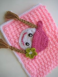 Appliqued Bubble Wrap Crochet Blanket (Free Pattern PDF)