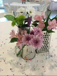 bridal shower decorations 592716000939824639 - Trendy Kitchen Decor Themes Diy Bridal Shower Source by Bridal Shower Flowers, Bridal Shower Centerpieces, Bridal Shower Party, Kitchen Shower Decorations, Kitchen Decor Themes, Retro Bridal Showers, Bridal Gifts, Boho, Elegant